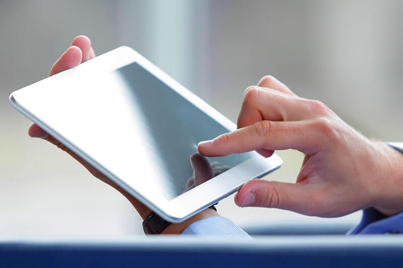オンラインビデオ通話を用いた遠隔診療・カウンセリング タブレット